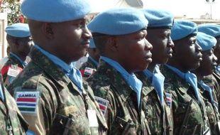 Des observateur internationaux, chargés de superviser un accord de paix au Darfour, ont réclamé lundi que le Casques bleus de l'ONU aient un accès illimité à cette région de l'ouest du Soudan.