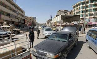 Au moins 26 personnes ont été tuées et près d'une centaine blessées dans la série d'attaques qui s'est produite tôt mardi dans plusieurs villes d'Irak dont Bagdad, Kirkouk, Hilla et Kerbala, selon un nouveau bilan donné de sources médicales et de sécurité.