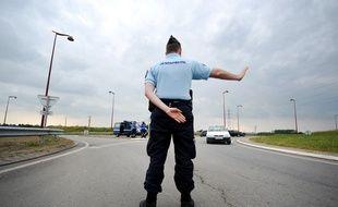 Des gendarmes effectuent des contrôles près de Nantes
