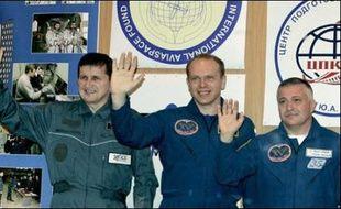 Le cinquième touriste de l'histoire de la conquête spatiale, l'informaticien américano-hongrois Charles Simonyi, doit s'envoler dans la nuit de samedi à dimanche pour l'espace en compagnie des cosmonautes russes Oleg Kotov et Fiodor Iourtchikhine.