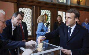 Pour le moment, voter ça ressemble à ça (Emmanuel Macron, le 15 mars 2020 au touquet pour le premier tour des municipales).