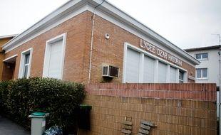 Devant le lycée Juif ex-Ozar Hatorah ou a eu lieu la tuerie de Mohammed Merah. 20/03/2012 Toulouse