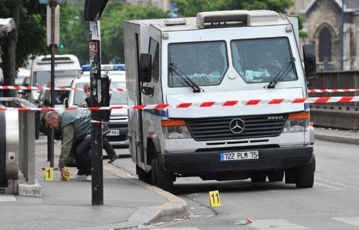 Le 4 juin à Aubervilliers, braquage d'un fourgon blindé devant une agence bancaire. – A. GELEBART / 20 MINUTES