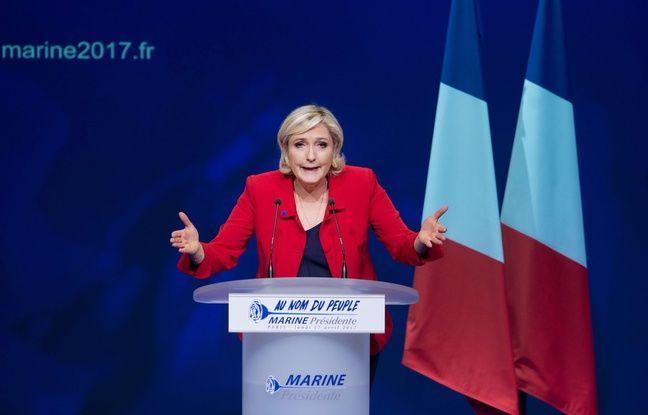 Marine Le Pen en meeting à Paris, le 17 avril 2017.