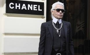 German Fashion designer Karl Lagerfeld is pictured at Chanel store during fashion week spring-summer 2009 in Paris, FRANCE -29/09/2008