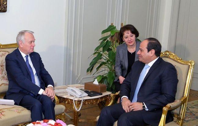 Le Caire (Egypte), le 9 mars. Jean-Marc Ayrault lors d'un entretien avec le président égyptien Al-Sissi.