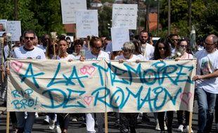 Marche blanche en mémoire de Romain, automobiliste tué par un policier, le 25 août à Vigneux-sur-Seine