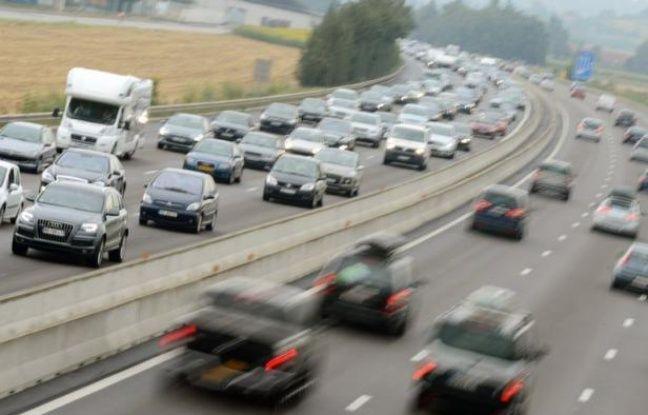 Deux cent soixante-et-onze personnes ont été tuées sur les routes de France en janvier, soit une baisse de la mortalité routière de 8,8% (26 morts en moins) par rapport à janvier 2012, a annoncé vendredi la Sécurité routière.