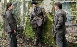 Nade Dieu (Marie), Bernard Blancan (Anselme) et Thierry Godard (Raymond Schwartz) dans la série «Un Village français».