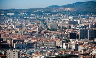 Marseille le 27 juin 2011 - Vue générale de la ville avec les axes autoroutiers qui la relient à l'exterieur