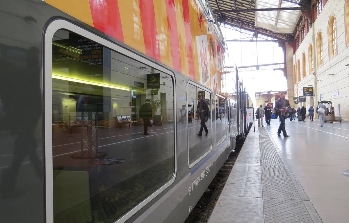 Marseille Le 17 NOVEMBRE 2014 Les nouvelles rames de TER de PACA – Amandine Rancoule / 20 Minutes