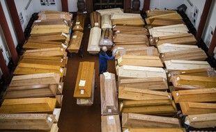Des cercueils en train d'être préparés en Allemagne. (illustration)