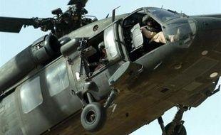 Quatre militaires américains ont été tués dans la chute jeudi d'un hélicoptère dans la région de Trévise au nord de l'Italie, selon un bilan des pompiers communiqué à l'AFP.