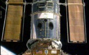 La Nasa va mener une mission avec la navette spatiale américaine pour réparer et prolonger le fonctionnement de Hubble, premier télescope orbital vieillissant qui a révolutionné l'astronomie, a annoncé mardi son administrateur Michael Griffin.