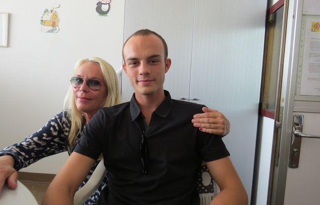 Alexandre et sa mère.