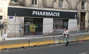 La pharmacie, au rez-de chaussée de l'immeuble évacué, a dû fermer.