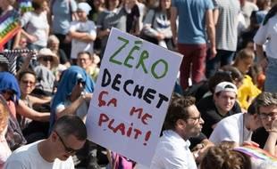« Zero dechet ca me plait», slogan  repéré à la Marche pour le climat le 9 août 2018.