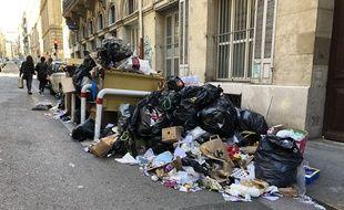 Les éboueurs sont en grève à Marseille depuis une dizaine de jours