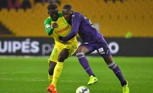 Le milieu du TFC Giannelli Imbula face au Nantais Abdoulaye Touré, le 4 novembre 2017 à La Beaujoire.