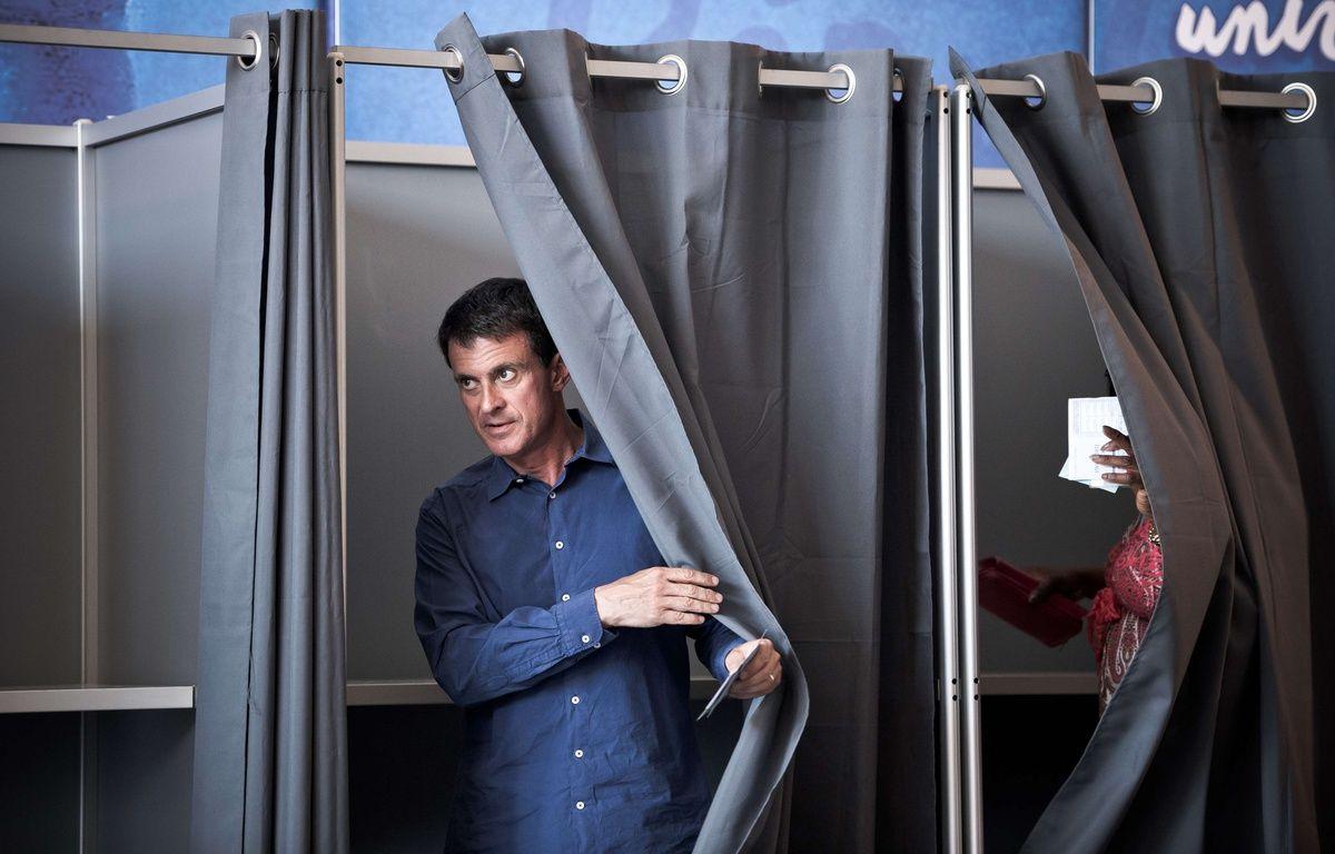 L'ex-Premier ministre Manuel Valls, candidats aux législatives dans l'Essonne, le 18 juin 2017 à Evry (Essonne)  – NICOLAS MESSYASZ/SIPA