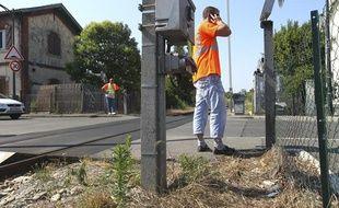 Un octogénaire a été tué lundi matin, percuté par un TER sur un passage à niveau à Toulouse (Haute-Garonne),le 8 juillet 2013.