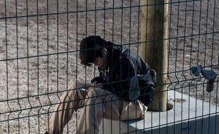 Un migrant dans le camp de Calais