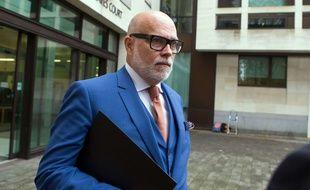 Gary Goldsmith à la sortie du tribunal, à Londres, mardi 14 novembre.