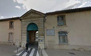 Les tirs ont eu lieu devant la gendarmerie de Lunel.