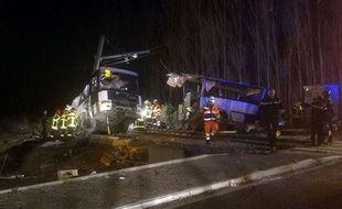 Une collision entre un train et un bus scolaire a fait quatre morts et une vingtaine de blessés près de Millas, dans les Pyrénées-Orientales, le 14 décembre 2017.
