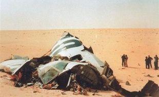 Un juge américain a ordonné à la Libye et à six membres de ses services de renseignements à verser plus de six milliards de dollars de dommages-intérêts aux familles des Américains morts dans l'attentat contre le DC-10 d'UTA au-dessus du Niger en 1989, a-t-on appris mercredi de source judiciaire.