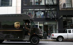 Il est reproché à UPS d'avoir livré 683.000 caisses de cigarettes non déclarées à des particuliers et des revendeurs sans licence