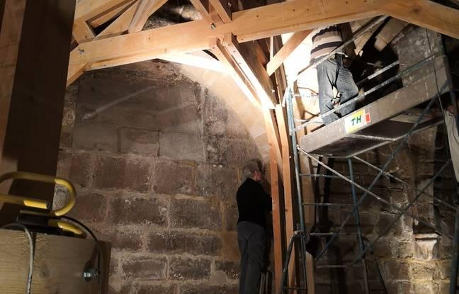 Les arêtes de la croisée d'ogives sont restaurées, mais il reste encore les voûtains à installer.