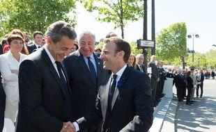 Emmanuel Macron et Nicolas Sarkozy lors de la cérémonie du 8-Mai, le 8 mai 2018 à Paris.