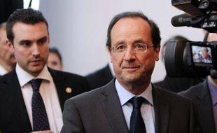 """François Hollande, candidat PS à la présidentielle, a accusé Nicolas Sarkozy samedi sur TF1 de présenter le """"visage de l'outrance"""", faute de pouvoir s'appuyer sur son bilan."""