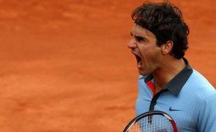 Federer lors de sa demi-finale contre Juan-Martin Del Potro à Roland-Garros le 5 juin 2009.