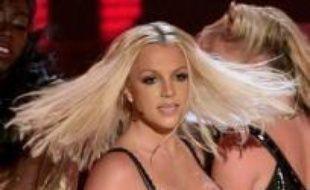 La chanteuse Britney Spears a obtenu mercredi le droit de rendre visite à ses deux fils, mais leur garde reste confiée au père, Kevin Federline, a déclaré aux journalistes l'avocat de ce dernier à Los Angeles (Californie, ouest).
