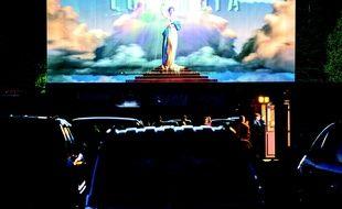 Qui n'a jamais rêvé de sortir de son cinéma pour vivre l'expérience drive-in ?