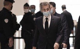 """Paris, le 26 Novembre 2020. Nicolas Sarkozy arrive au tribunal de Paris où il est jugé pour """"corruption active"""" et """"trafic d'influence"""" dans l'affaire dite """"des écoutes de Paul Bismuth""""."""