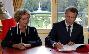 Le président Emmanuel Macron a signé les ordonnances qui lancent la réforme du code du travail vendredi 22 septembre.