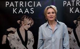Patricia Kaas, en novembre 2016, devant le visuel de son nouvel album.