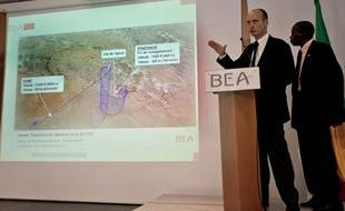 Remi Jouty et NFaly Cisse présentent les premiers résultats de l'enquête sur le crash de l'avion au Mali.