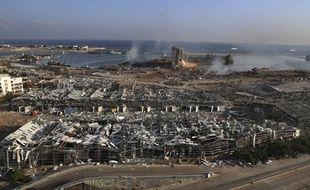 Le port de Beyrouth au lendemain de deux explosions meurtrières, mercredi 5 août 2020.