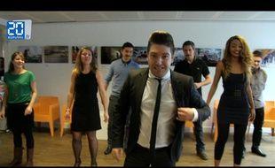 Chris Marques donne un cours de salsa à «20 Minutes». Capture d'écran de la vidéo.