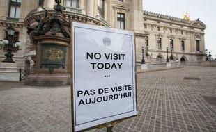 L'Opéra de Paris était fermé à la visite lundi 16 novembre 2015 mais les spectacles auront bien lieu