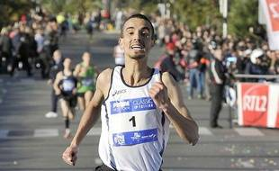 Le marathonien français Abdellatif Meftah, lors d'une course à Nice, le 8 décembre 2011.