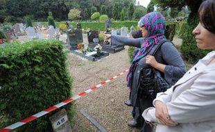 Trente-sept tombes ont été profanées dans un cimetière au sud de Strasbourg, à la Meinau, le 24 septembre 2010.
