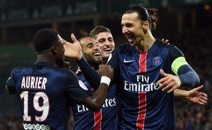 Zlatan Ibrahimovic et ses coéquipiers du PSG, le 31 janvier 2016, à Saint-Etienne.