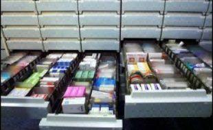 Le gouvernement a annoncé mercredi une baisse du remboursement de 41 médicaments, essentiellement des anti-diarrhéiques et des produits ORL, et a demandé aux laboratoires de baisser certains de leurs prix, au moment où l'industrie pharmaceutique annonce des suppressions d'emplois.