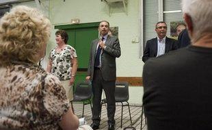 Jean-Francois Copé tient une réunion publique dans la commune de Trilport, à côté de Meaux, le 31 mai 2012.