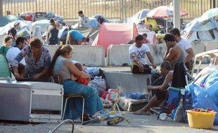 Ballottés d'un campement illégal à un autre, les Roms de Marseille bénéficient d'un suivi médical erratique, une situation dénoncée par les associations, pour qui chaque expulsion est synonyme de rupture dans les soins apportés à ces populations très fragiles.